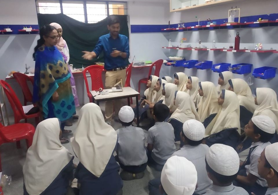 Resource person: Mr. Rupesh & Ms. Jannet. Tinkering Lab established with the assistance of Mantra4change at BET Primary School, Bismillah Nagar